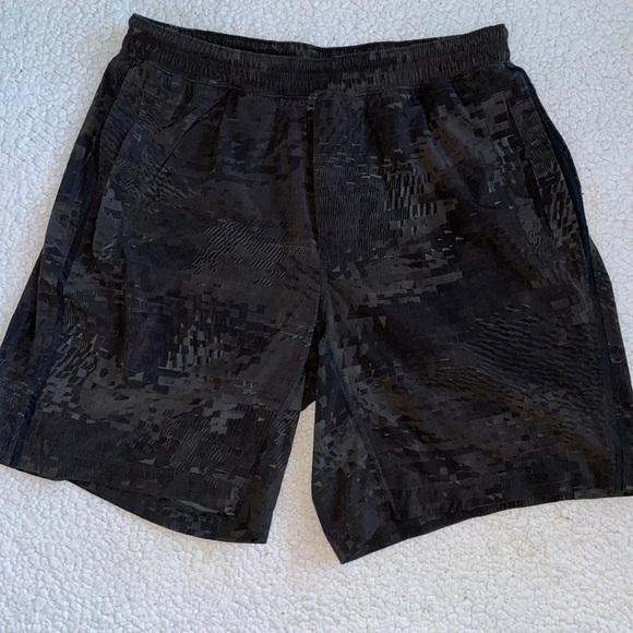 Lululemon Shorts Men's size X-Large